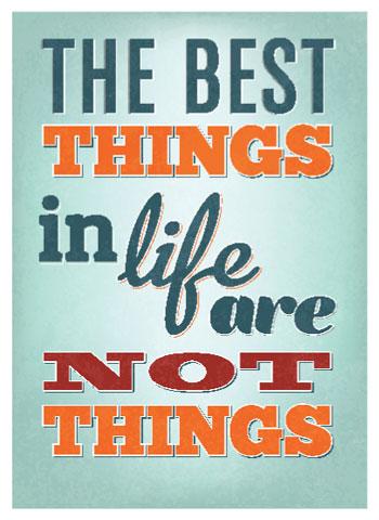 Erfahrungen machen uns glücklicher als materielle Dinge.