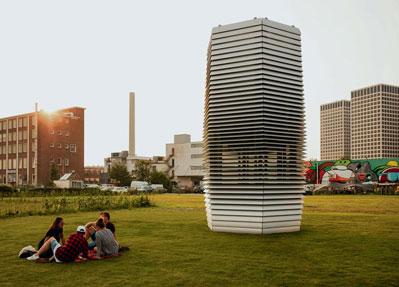 Der Smog Free Tower - ein Outdoor-Luftreinigungssystem  - wurde bereits erfolgreich in Rotterdam getestet. In seinem neuen Einsatzgebiet in Peking sind die Herausforderungen ungleich größer. Smart Cities.